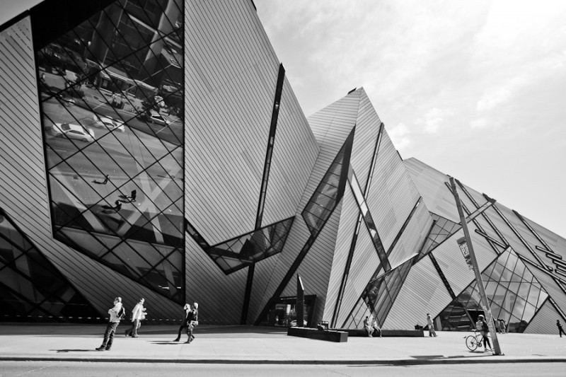 Royal ontario museum rom in black and white toronto