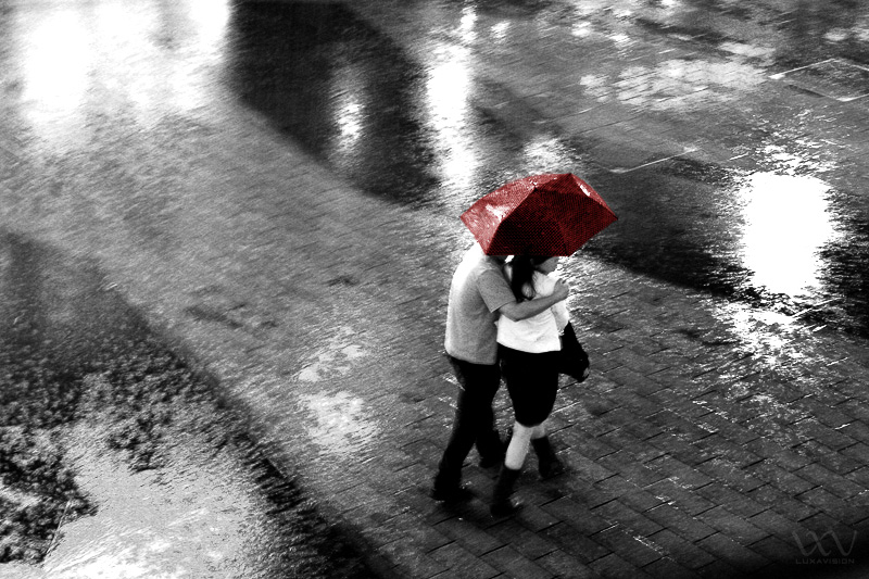 Couple in the Rain | Shanghai | photo a day | line a day